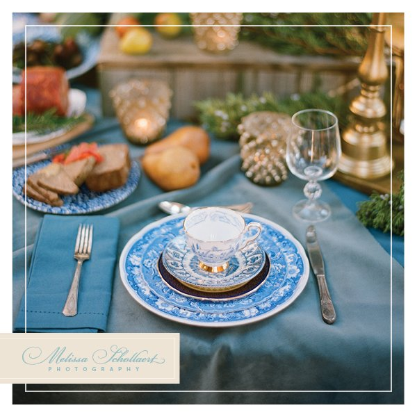 Table-styling-blue-white