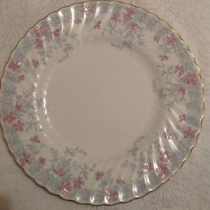 dinner-plate-pink-gray