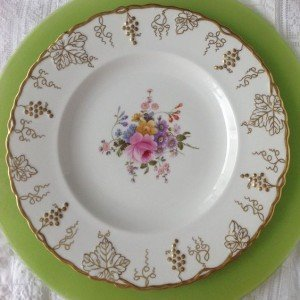 Vintage China Dinner Plates – 1000 available for rent