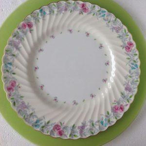 dinner-plate-fluted