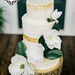 luxury-wedding-cake-gold