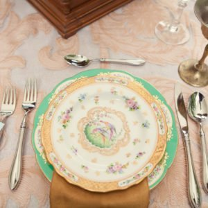 Wedding-table-swan -house