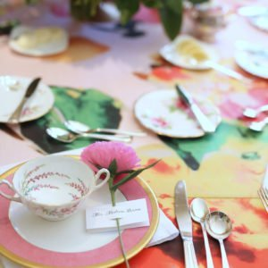Pink-bridal-shower-table