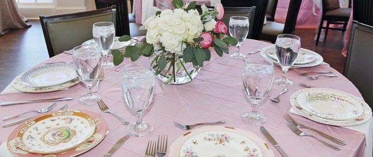Bridal-shower-table