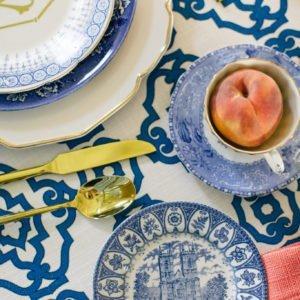 wedding-table-blue-white