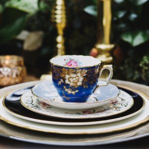 Navy-Gold-placesetting