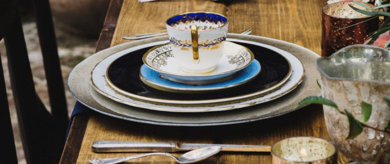 Head-table-navy-gold