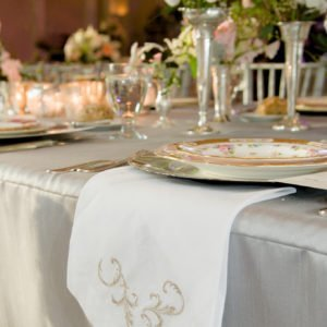 table-wedding-gold