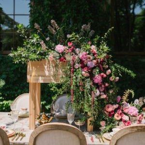 cascade-flowers-table