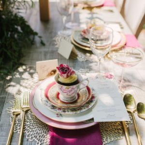 Place-setting-luxury-pink