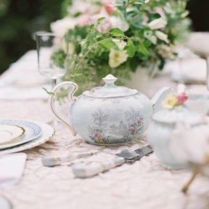 teapot-wedding-table