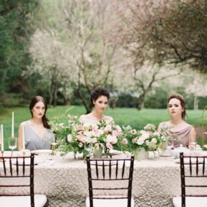 bride-bridesmaids-table
