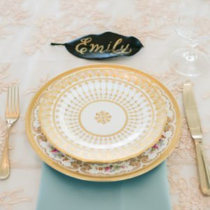 gold-wedding-plates