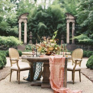 Table-chairs-tablescape