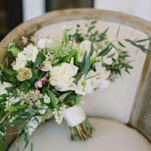 wedding-bouquet-chair