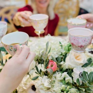 bridesmaids-lunch-teacups