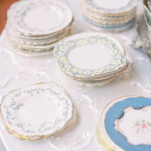 Stacked-wedding-cake-plates