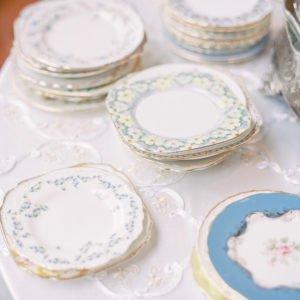 Stacked-wedding-cake-plates
