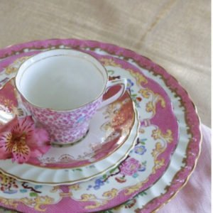 table-setting-pink