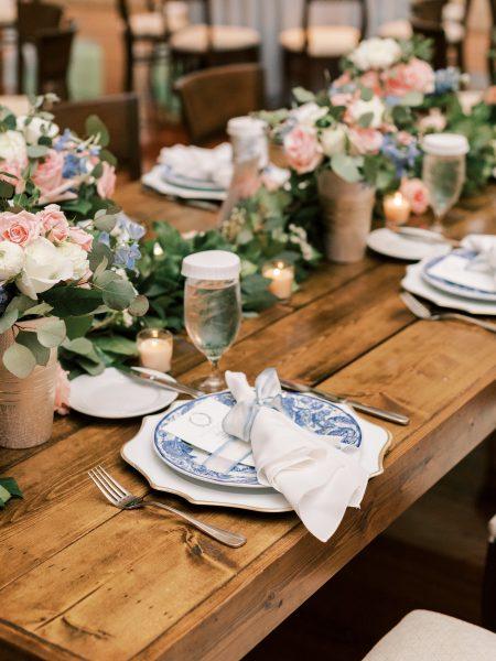 wedding-blue-white-farmhouse